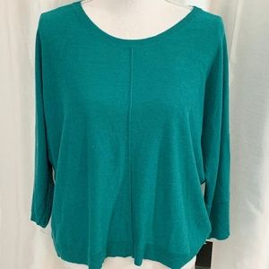 NWT     PULLOVER SWEATER     LARGE